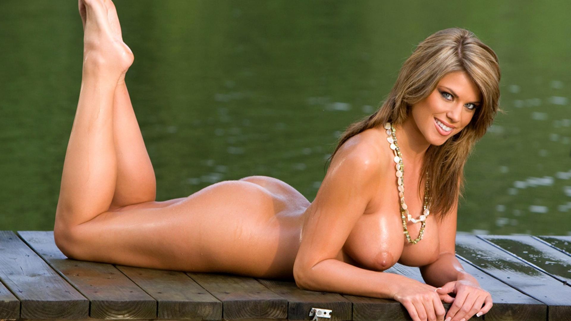 hottest naked hooter girls
