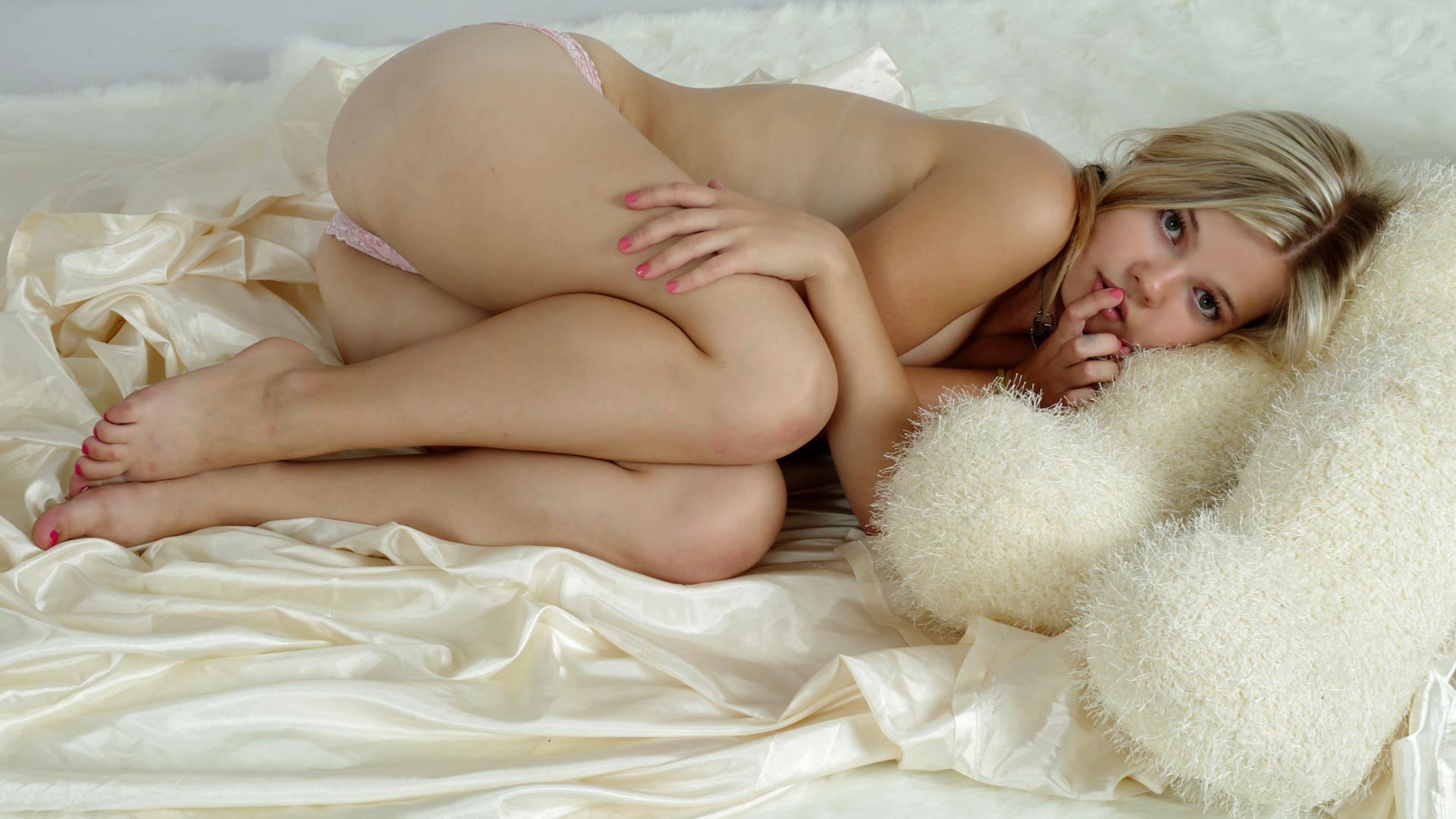 nude teen girl teddy