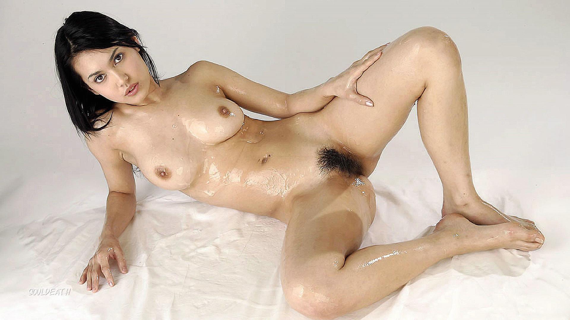 Maria ozawa japanese pornstar gets naked