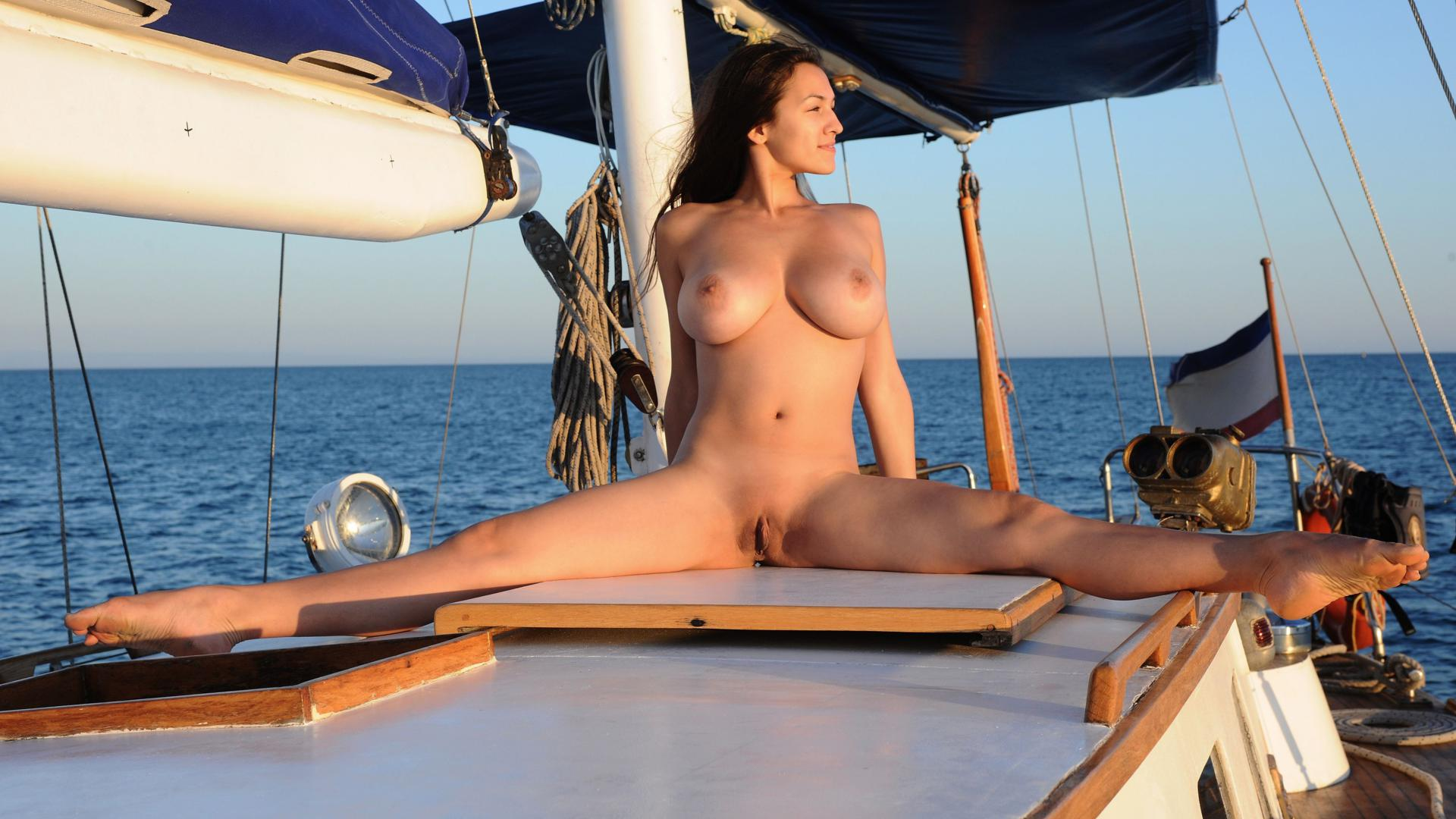 Naked boat babes nude