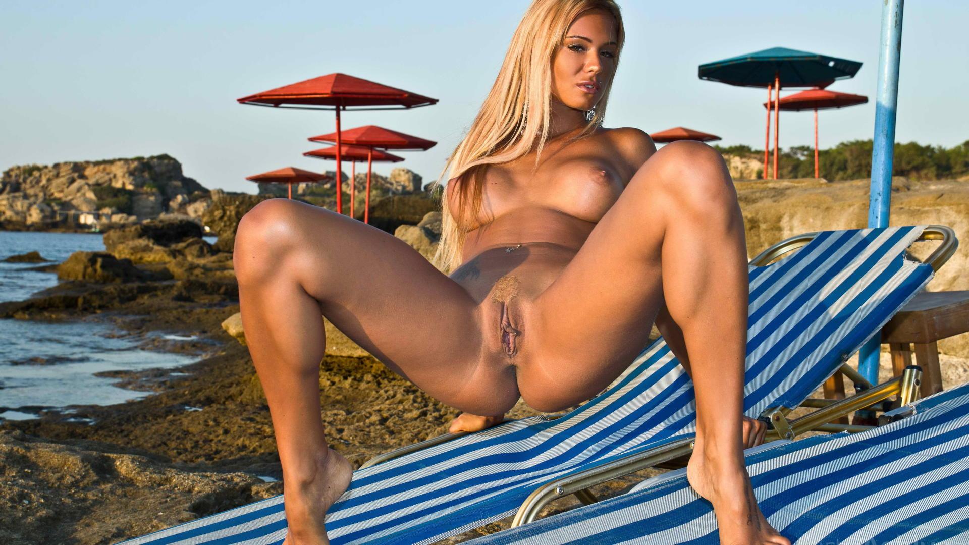 hot legs pussy beach