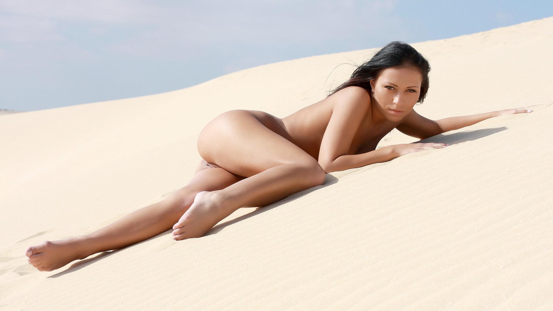Hot naked ebonys