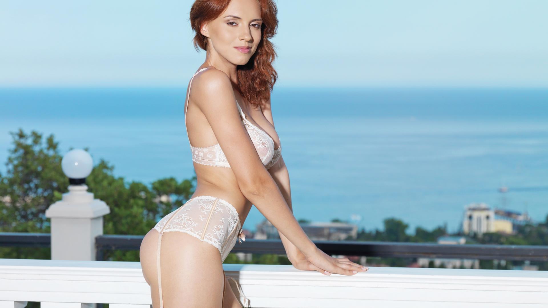 Sarah michelle gallah naked