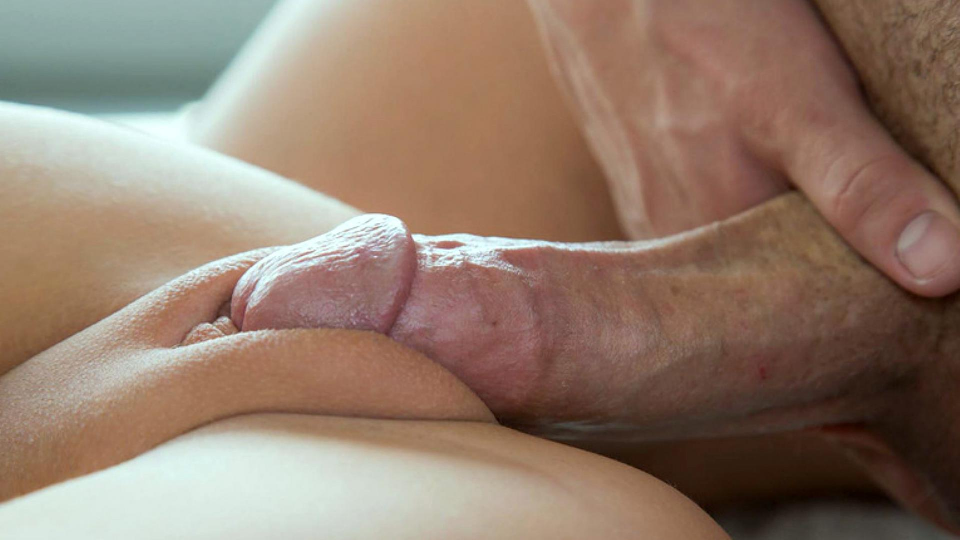 Asian Pussy Rubbing Dick