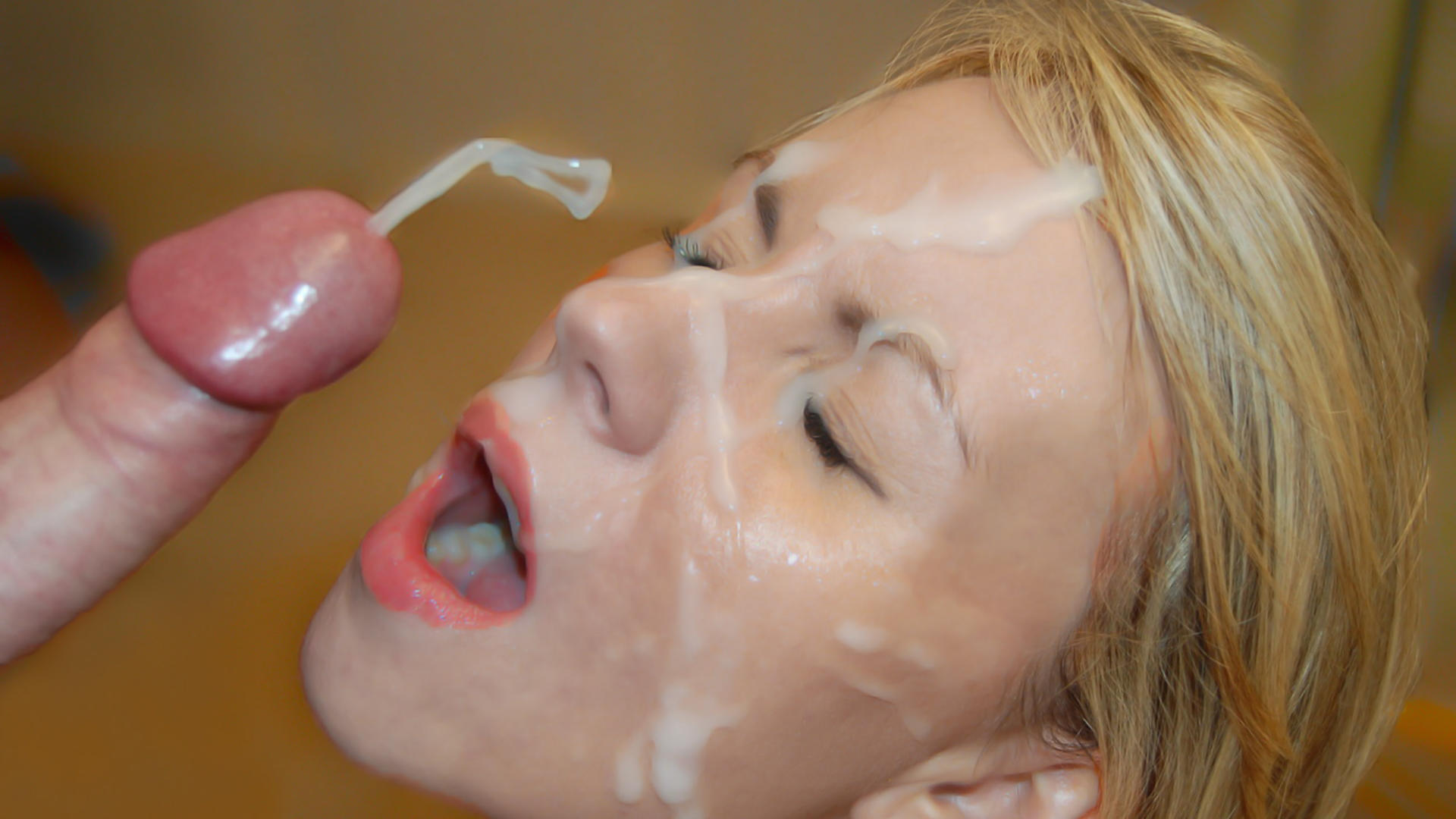 Blonde babe oral cum