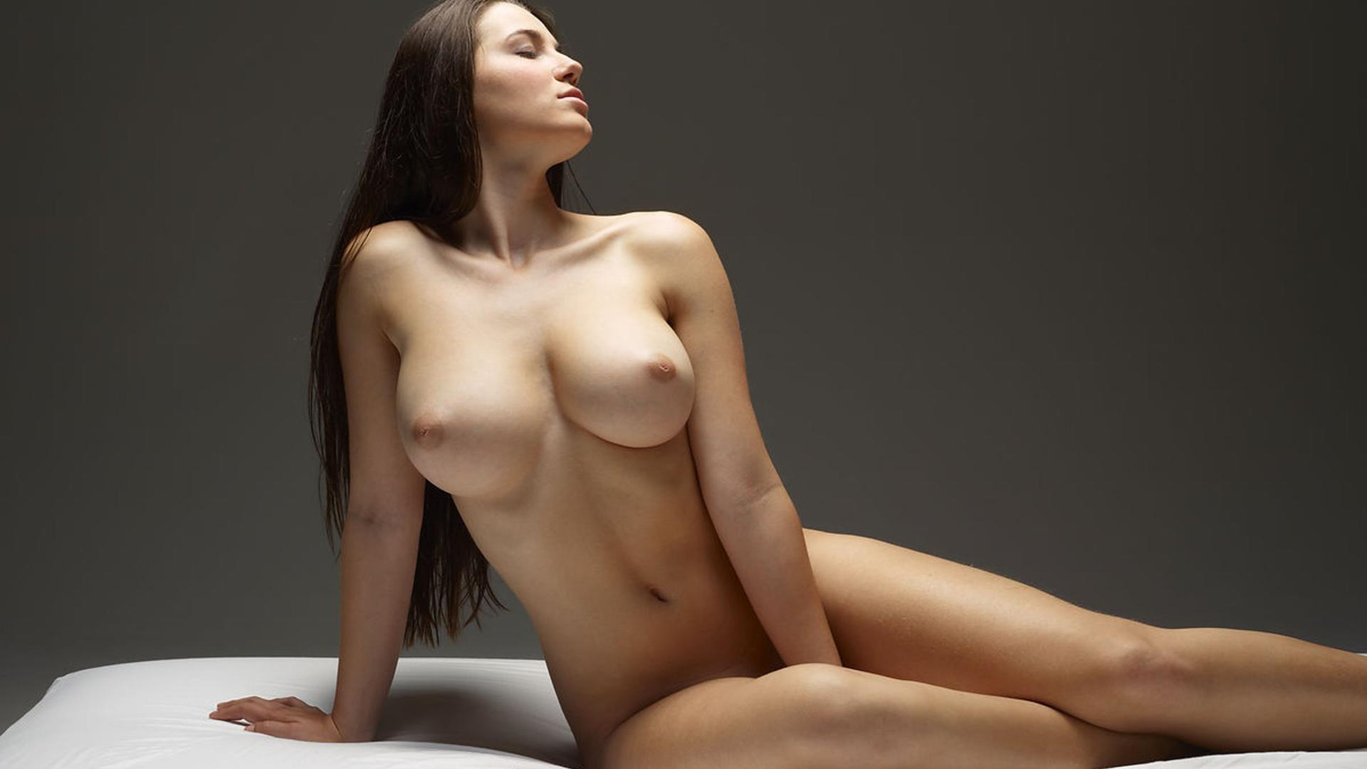 Download photo 1920x1080, yara, brunette, beauty, nude ...