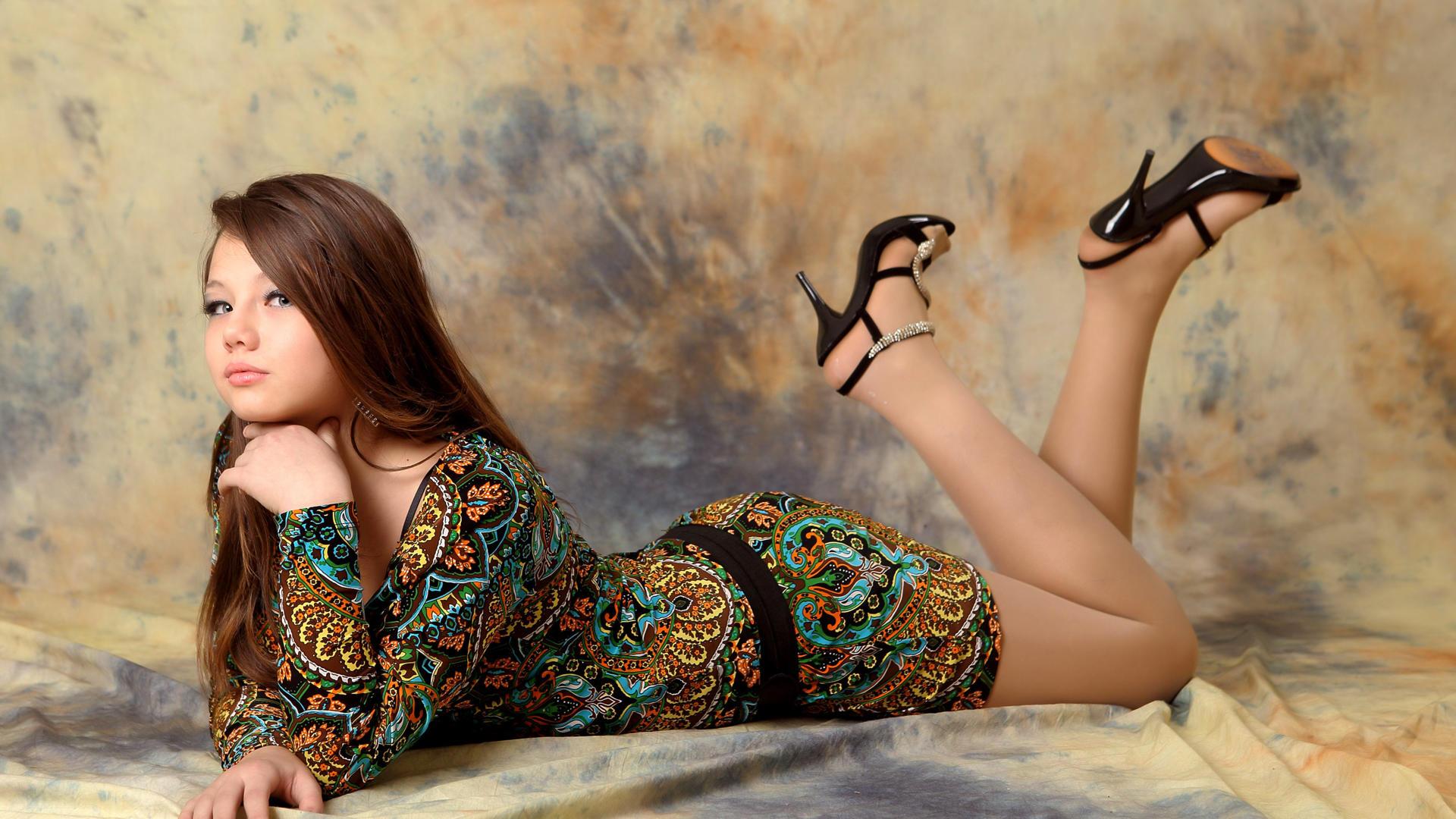 Download photo 1920x1080, kleofia, brunette, sexy girl