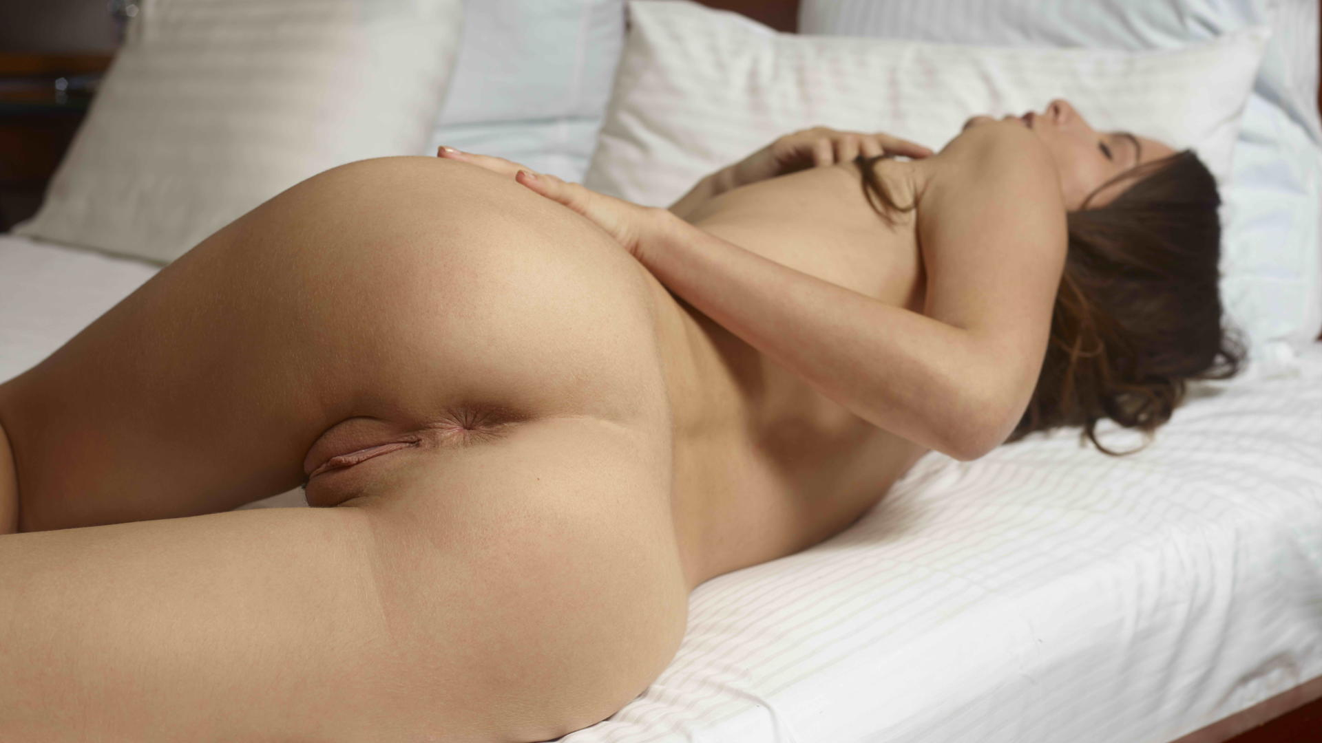 Amateur big tits riding cock