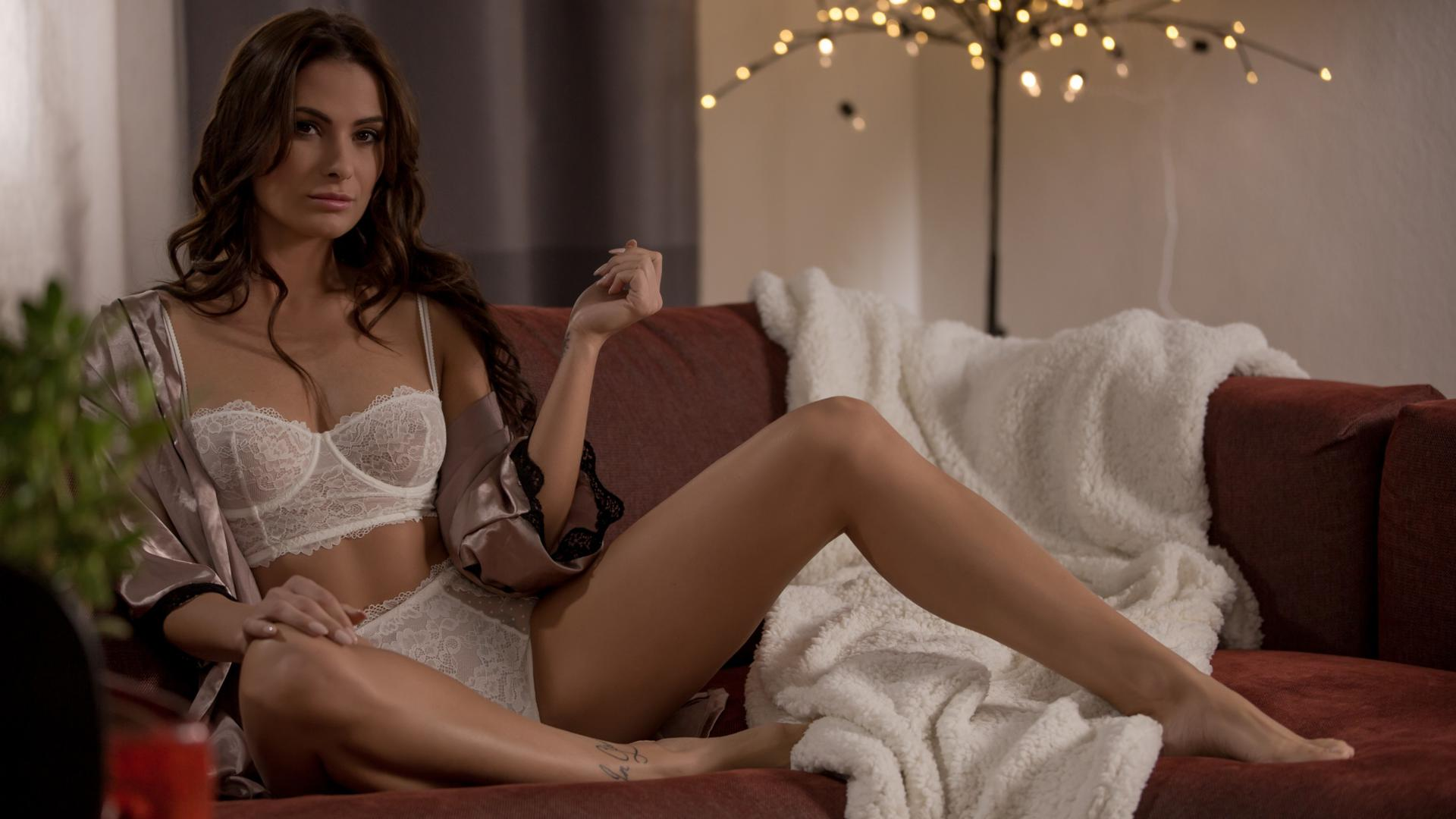 Download photo 1920x1080, amelie, brunette, sexy girl